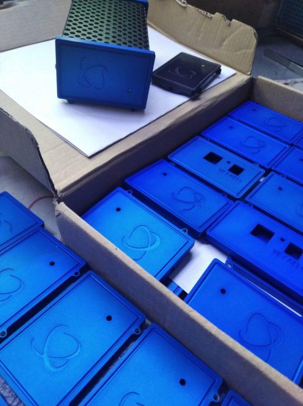 blue-faceplates